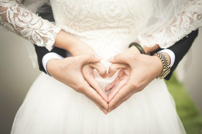 В России можно будет регистрировать браки на дому и в больницах