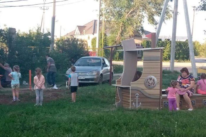 На улице Героя – новая детская площадка