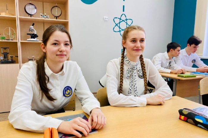 В российских школах по ряду предметов могут убрать пятибалльную систему в оценках