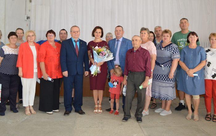 Подарки от АО «ОРМЕТ» получили жители Гранитного
