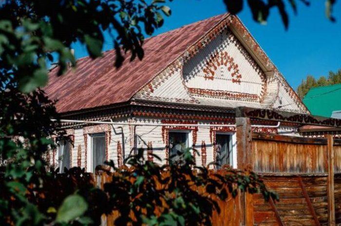 Дом с оренбургскими «кружевами» в списке самых необычных народных арт-объектов России
